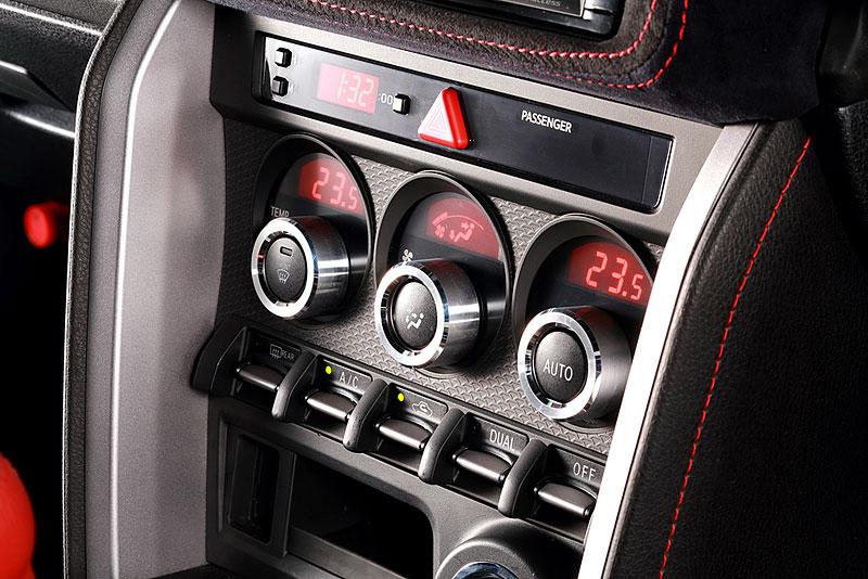 DAMD 86 Vantage: Hachi-roku ve stylu Aston Martinu: - fotka 5