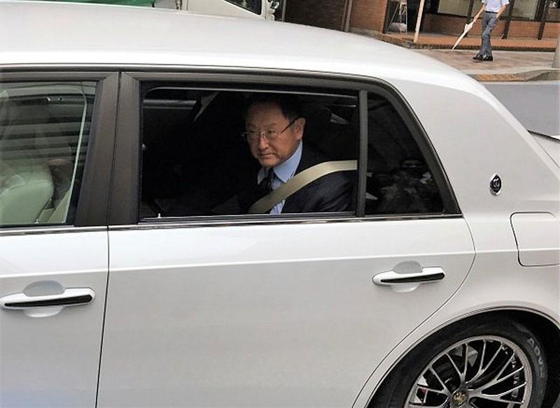 Toyota Century existuje i v tajemné sportovní verzi GRMN. Co to má znamenat?: - fotka 1