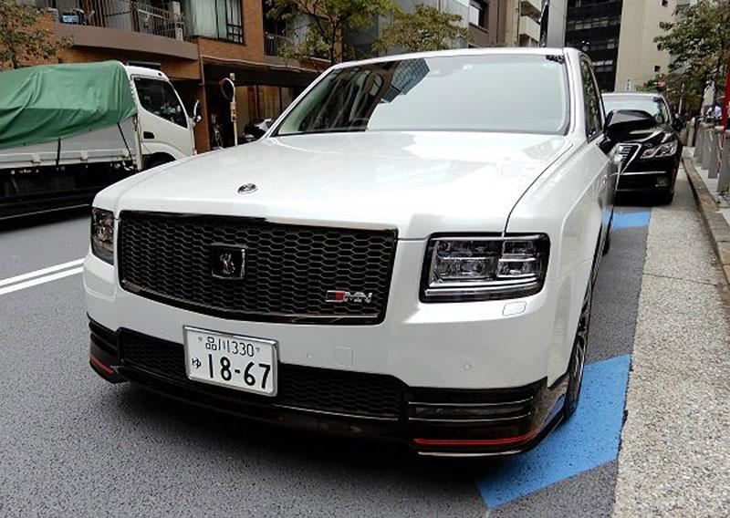 Toyota Century existuje i v tajemné sportovní verzi GRMN. Co to má znamenat?: - fotka 2