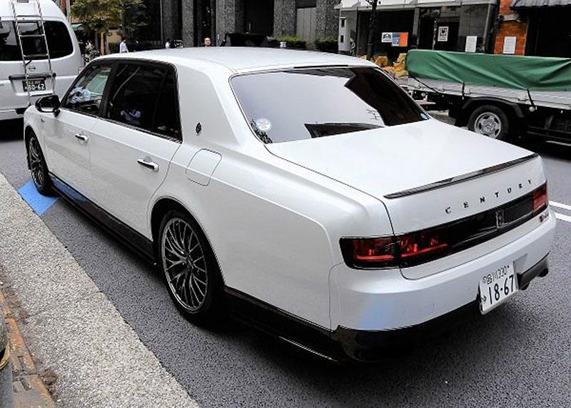 Toyota Century existuje i v tajemné sportovní verzi GRMN. Co to má znamenat?: - fotka 4
