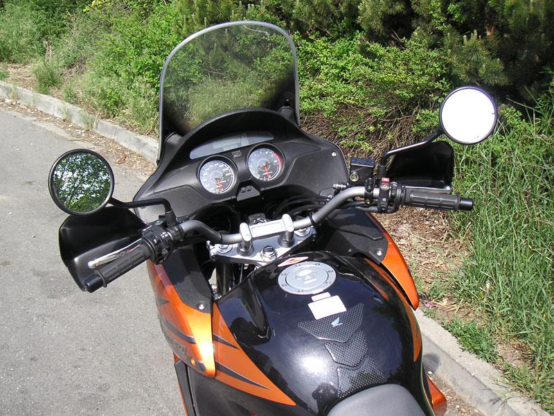 Dueltest - Honda XL1000V Varadero vs. Moto Guzzi Stelvio 1200: - fotka 34
