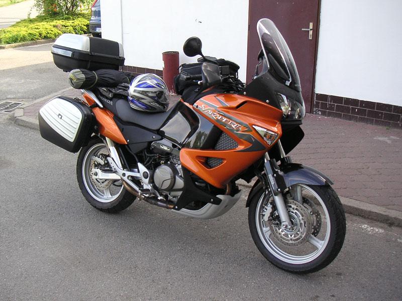 Dueltest - Honda XL1000V Varadero vs. Moto Guzzi Stelvio 1200: - fotka 38