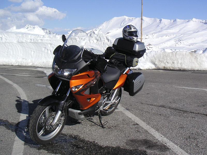 Dueltest - Honda XL1000V Varadero vs. Moto Guzzi Stelvio 1200: - fotka 39