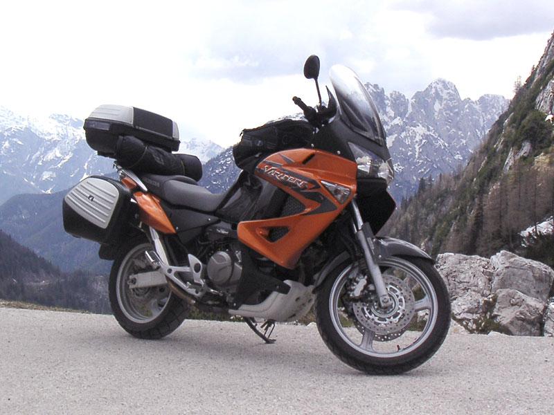 Dueltest - Honda XL1000V Varadero vs. Moto Guzzi Stelvio 1200: - fotka 40
