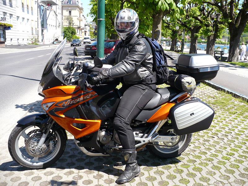 Dueltest - Honda XL1000V Varadero vs. Moto Guzzi Stelvio 1200: - fotka 43
