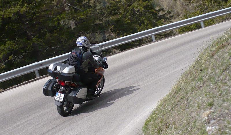 Dueltest - Honda XL1000V Varadero vs. Moto Guzzi Stelvio 1200: - fotka 48