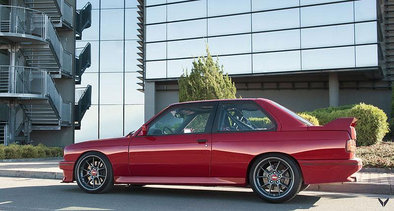 Je tohle dokonalá M3? Pod karoserií E30 se ukrývá šestiválec z E36: - fotka 16