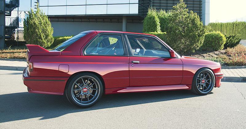 Je tohle dokonalá M3? Pod karoserií E30 se ukrývá šestiválec z E36: - fotka 17