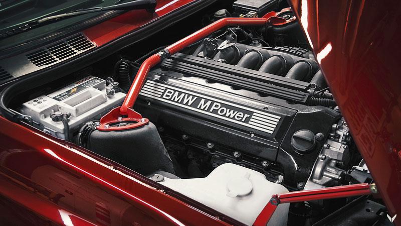 Je tohle dokonalá M3? Pod karoserií E30 se ukrývá šestiválec z E36: - fotka 18