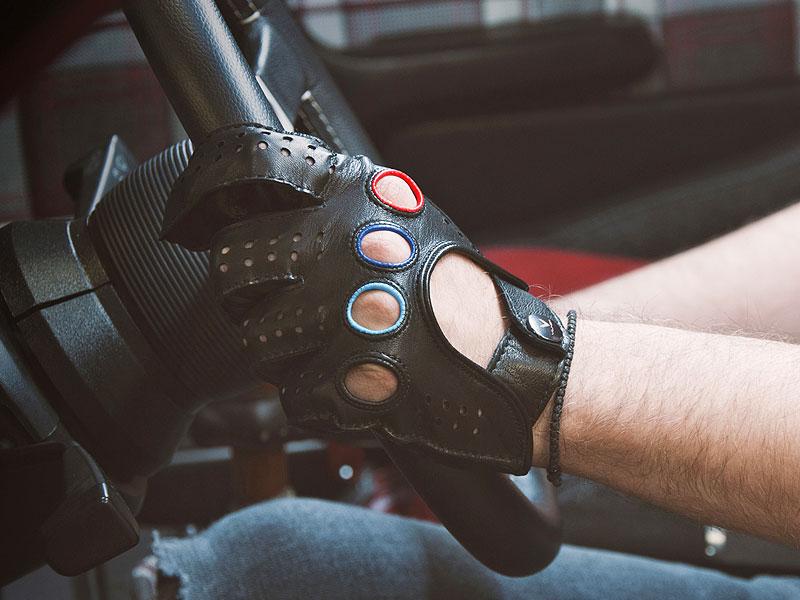 Je tohle dokonalá M3? Pod karoserií E30 se ukrývá šestiválec z E36: - fotka 22