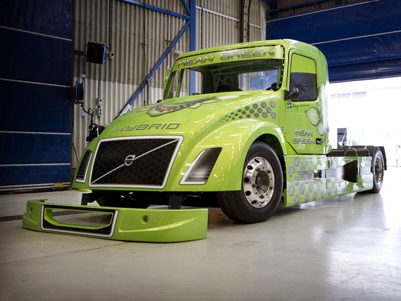 Mean Green: hybridní rekordman od Volvo Trucks: - fotka 5
