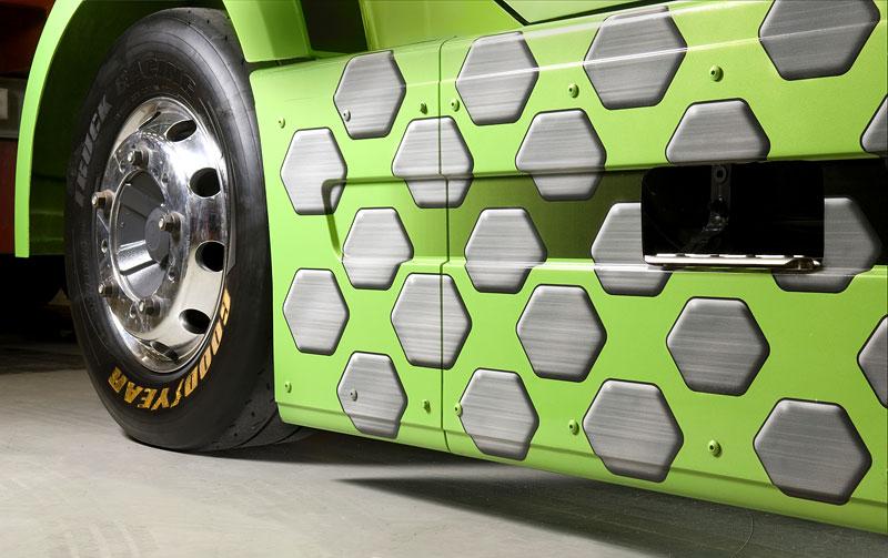 Mean Green: hybridní rekordman od Volvo Trucks: - fotka 9