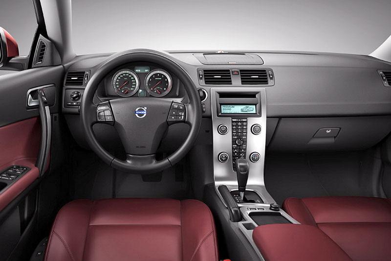 Volvo C70 - omlazení pro Frankfurt: - fotka 1