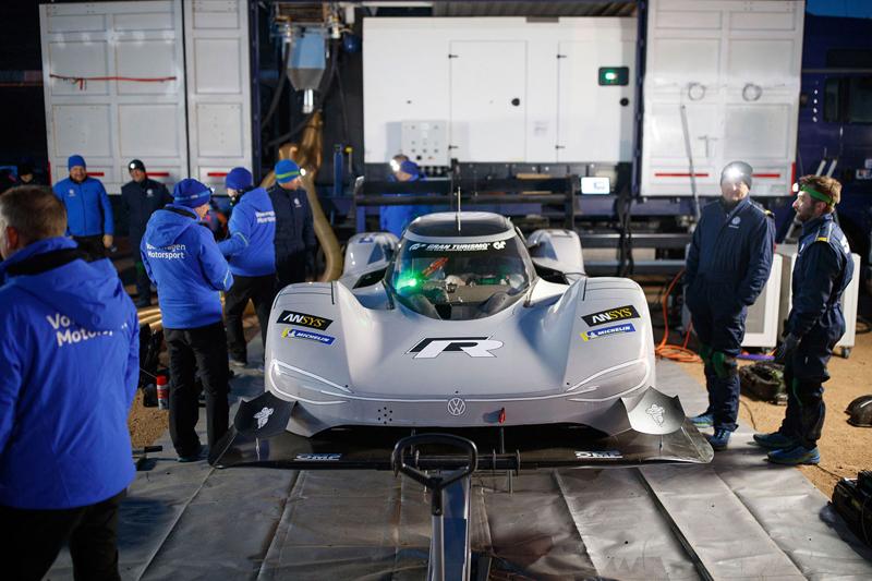 Urve VW absolutní rekord Nürurgringu pro sebe? Simulace říkají, že má šanci: - fotka 7