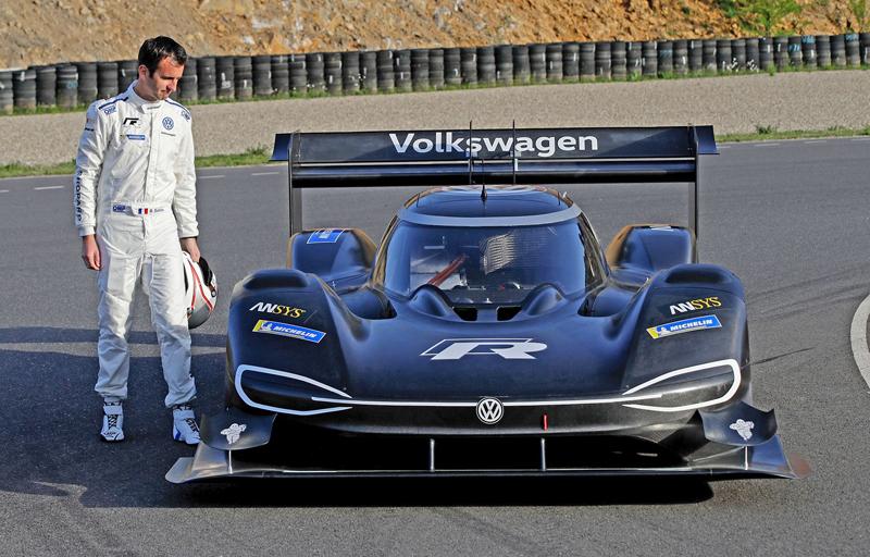 Urve VW absolutní rekord Nürurgringu pro sebe? Simulace říkají, že má šanci: - fotka 9