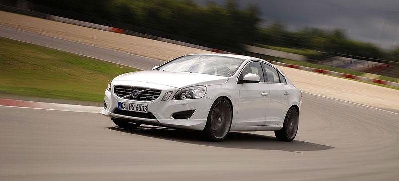 Volvo S60: Decentní sportovec od Heico Sportiv: - fotka 6
