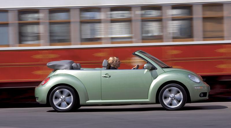 VW Beetle Cabrio Final Edition: (ne)nech brouka žít: - fotka 29