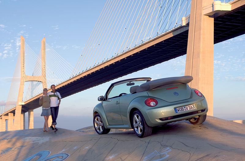 VW Beetle Cabrio Final Edition: (ne)nech brouka žít: - fotka 32