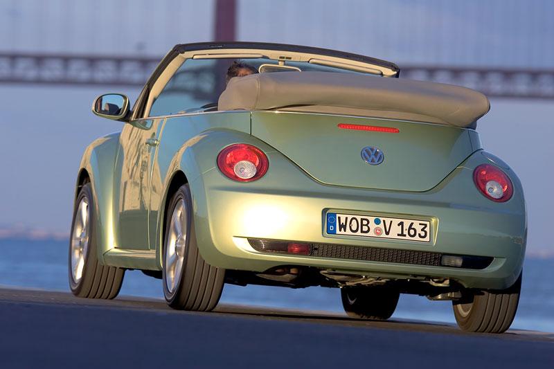 VW Beetle Cabrio Final Edition: (ne)nech brouka žít: - fotka 36