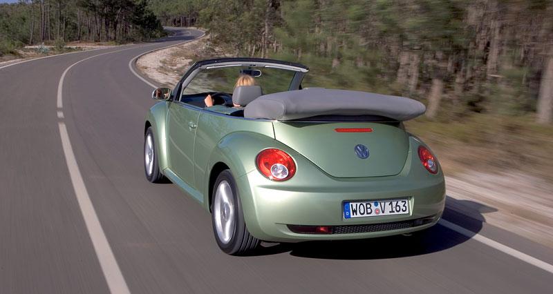VW Beetle Cabrio Final Edition: (ne)nech brouka žít: - fotka 37