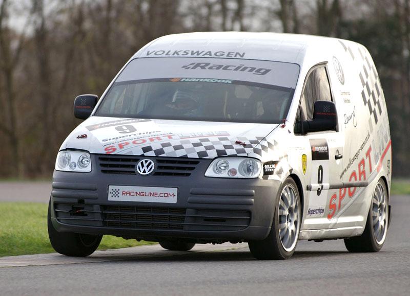Volkswagen Caddy TDI: závodní dodávka na start: - fotka 3