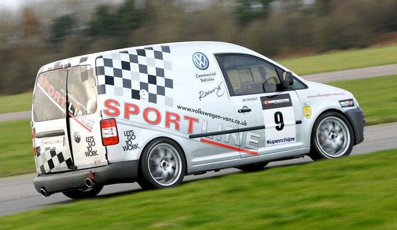 Volkswagen Caddy TDI: závodní dodávka na start: - fotka 5