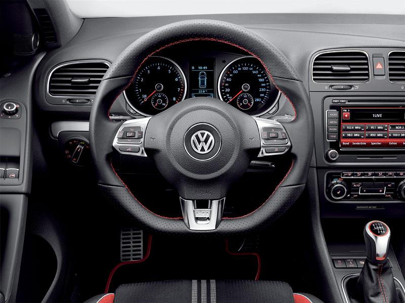 VW Golf GTI adidas: speciální edice už i u nás (české ceny): - fotka 2