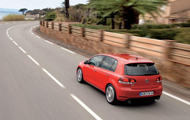 Volkswagen Golf GTI: APS nabízí 250 koní: - fotka 14