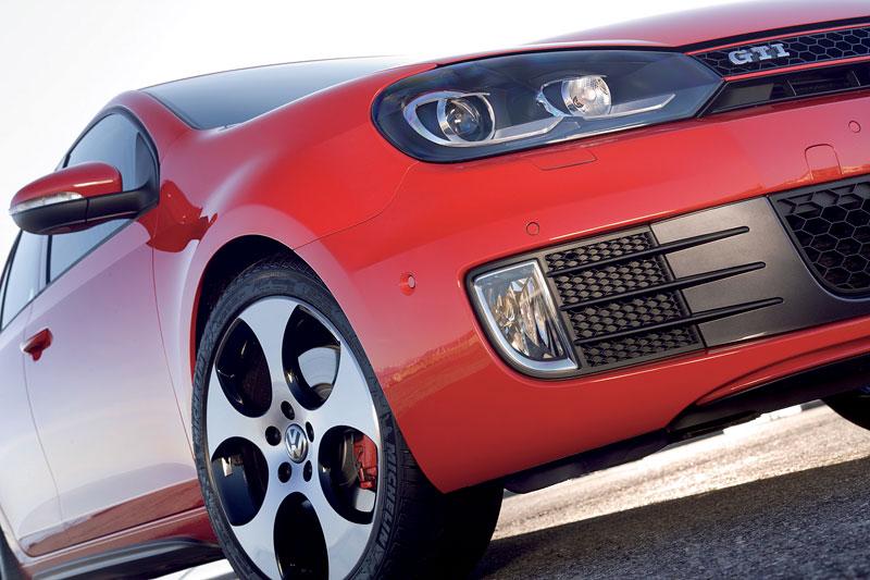 VW Golf GTI je autem roku v Kanadě: - fotka 37
