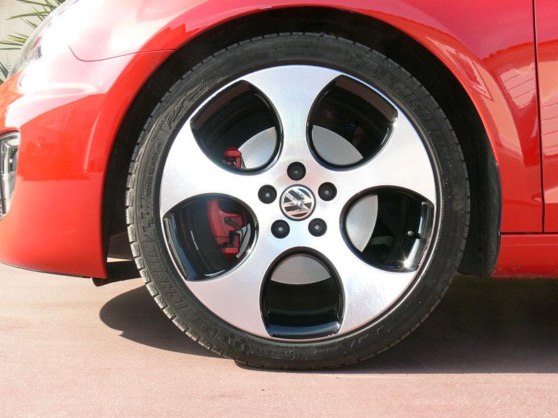 VW Golf GTI je autem roku v Kanadě: - fotka 38