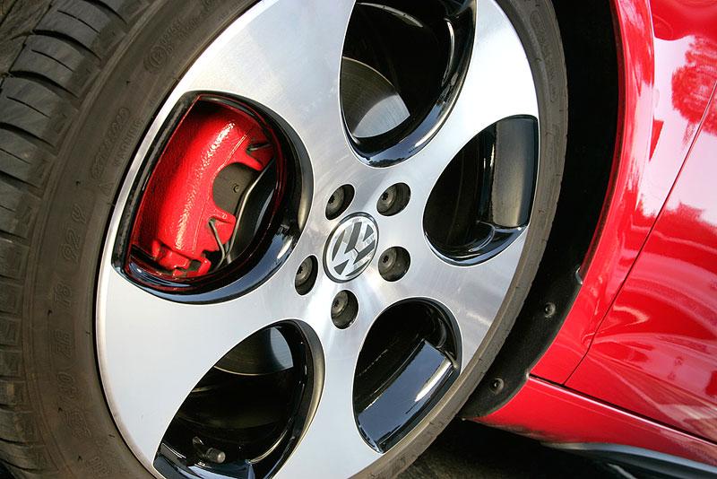VW Golf GTI je autem roku v Kanadě: - fotka 40