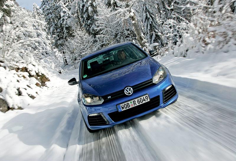 Volkswagen Golf R - nová fotogalerie: - fotka 11