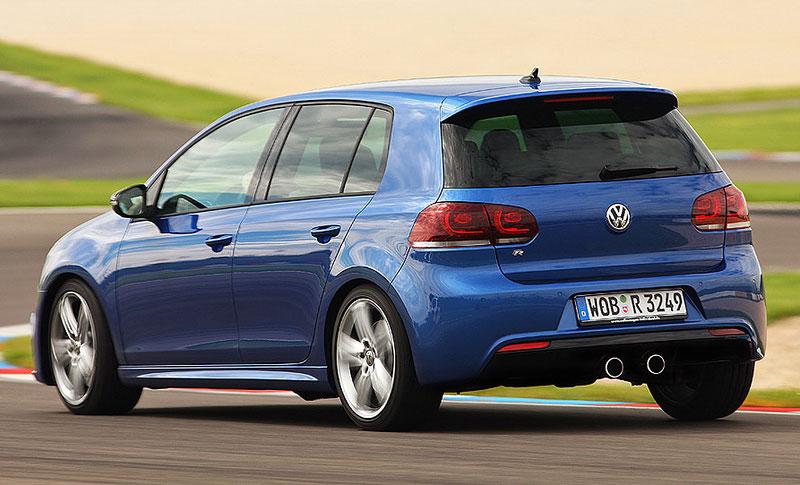 Volkswagen Golf R - nová fotogalerie: - fotka 24