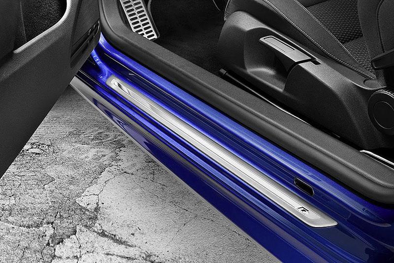 Volkswagen Golf R - nová fotogalerie: - fotka 31