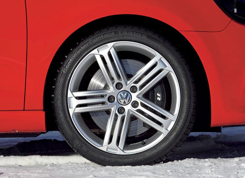 Volkswagen Golf R - nová fotogalerie: - fotka 38