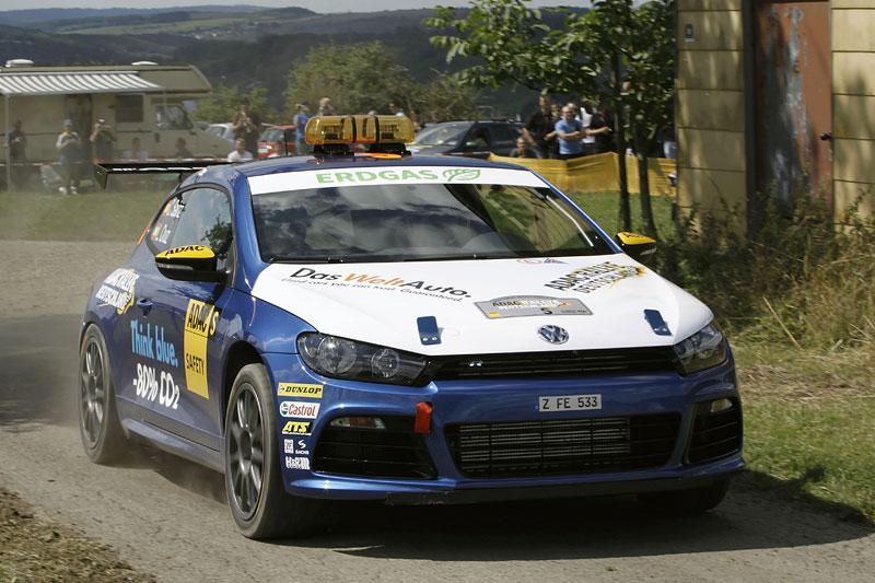 Volkswagen Scirocco fušuje už i do rallye?: - fotka 4