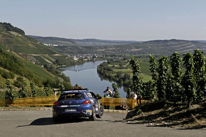 Volkswagen Scirocco fušuje už i do rallye?: - fotka 8
