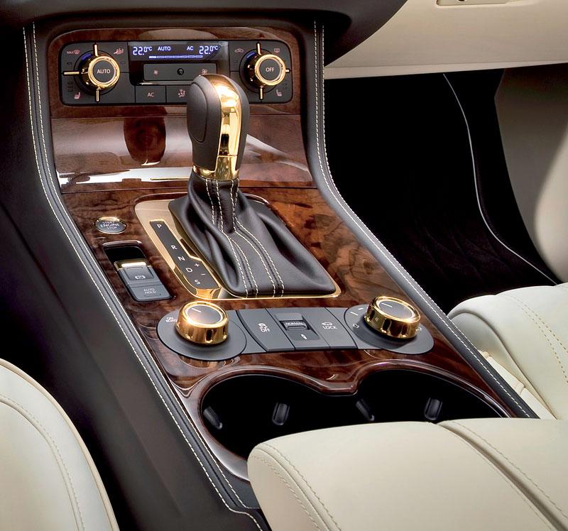 Volkswagen Touareg Gold Edition: sen katarských ropných šejků?: - fotka 4