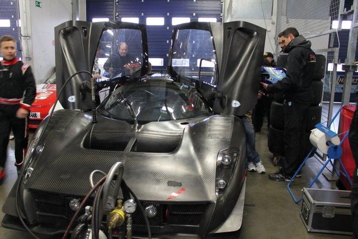 Ferrari P4/5 Competizione: první úspěšné testy na Nürburgringu: - fotka 1