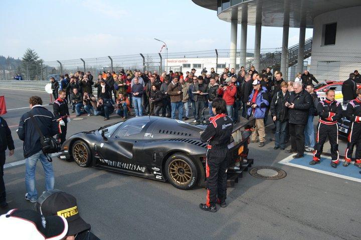 Ferrari P4/5 Competizione: první úspěšné testy na Nürburgringu: - fotka 2