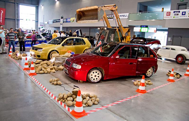 AZ pneu Tuning Salon 2010: Malé připomenutí velké akce: - fotka 65