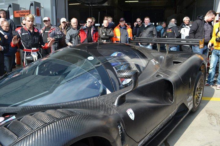 Ferrari P4/5 Competizione: první úspěšné testy na Nürburgringu: - fotka 9