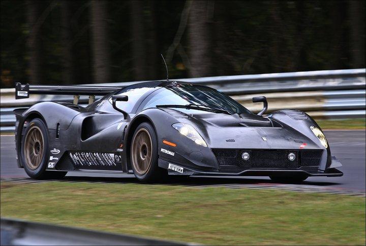 Ferrari P4/5 Competizione: první úspěšné testy na Nürburgringu: - fotka 11