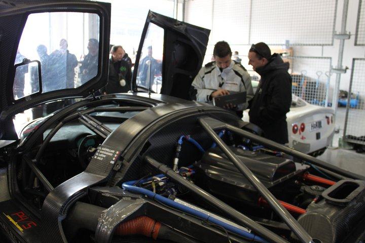 Ferrari P4/5 Competizione: první úspěšné testy na Nürburgringu: - fotka 14