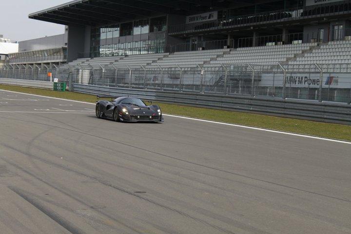 Ferrari P4/5 Competizione: první úspěšné testy na Nürburgringu: - fotka 15
