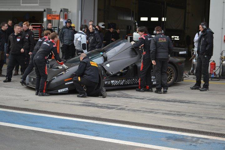Ferrari P4/5 Competizione: první úspěšné testy na Nürburgringu: - fotka 17