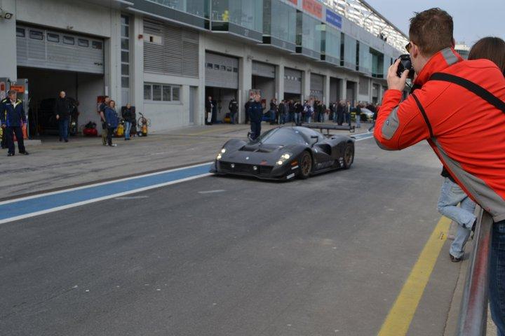 Ferrari P4/5 Competizione: první úspěšné testy na Nürburgringu: - fotka 18