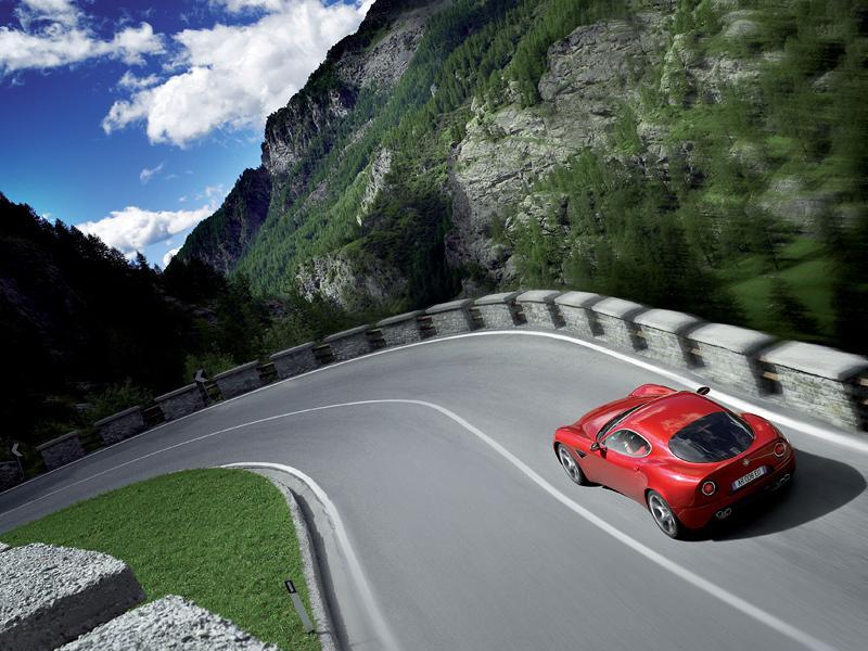 Pod lupou: Alfa Romeo 8C – včera a dnes: - fotka 50