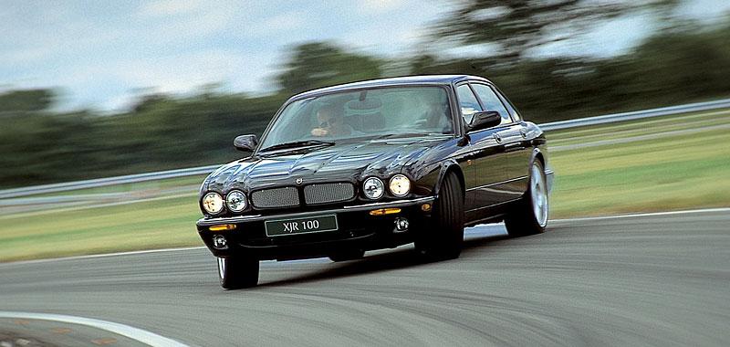 Pod lupou: Jaguar R aneb 25 let rychlých koček: - fotka 20
