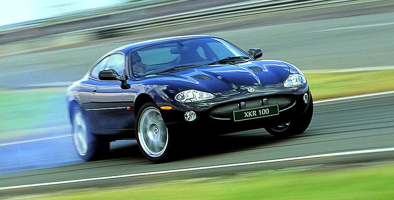 Pod lupou: Jaguar R aneb 25 let rychlých koček: - fotka 22